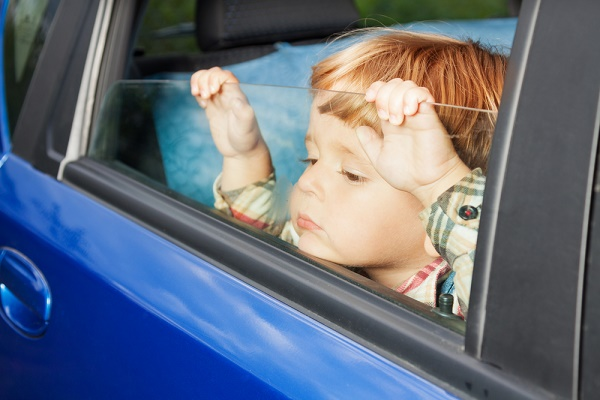 Proposed legislation will limit kids' time in cars alone